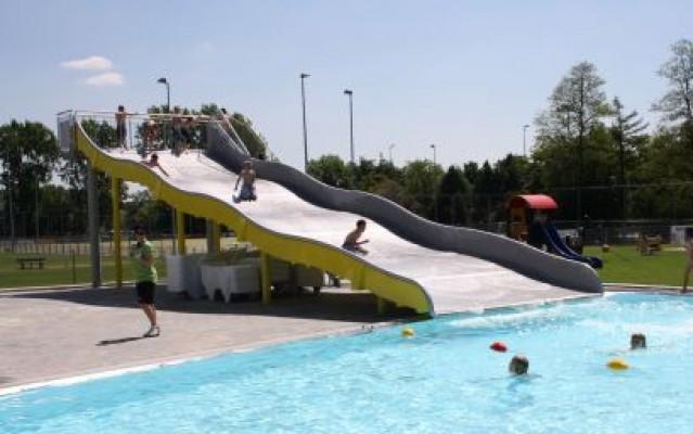 Zwembad De Fakkel : Zwembad zwembad fakkel de in ridderkerk zwembadgids zwembadengids.nl